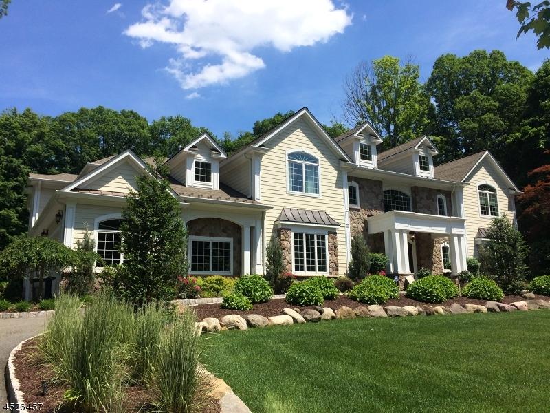 Maison unifamiliale pour l Vente à 12 Spook Ridge Road Saddle River, New Jersey 07458 États-Unis