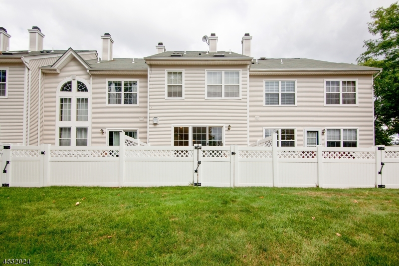 Additional photo for property listing at 14 Clark Court  Basking Ridge, New Jersey 07920 États-Unis