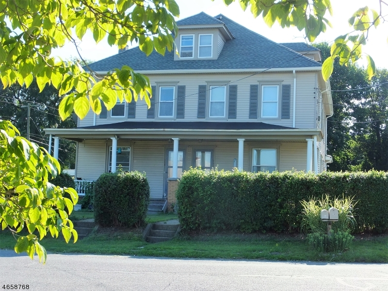 Single Family Home for Rent at 700 Beacon Street Stewartsville, 08886 United States
