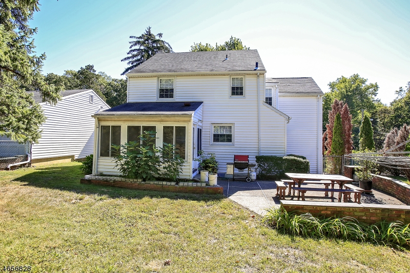 Additional photo for property listing at 7 CLIFF Street  West Orange, New Jersey 07052 États-Unis