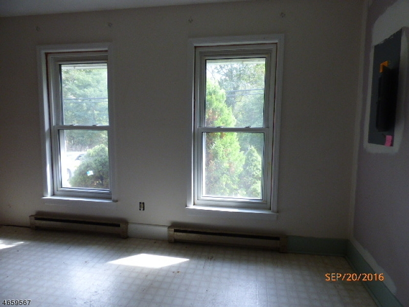 Additional photo for property listing at 38 Buckley Avenue  Oxford, Нью-Джерси 07863 Соединенные Штаты