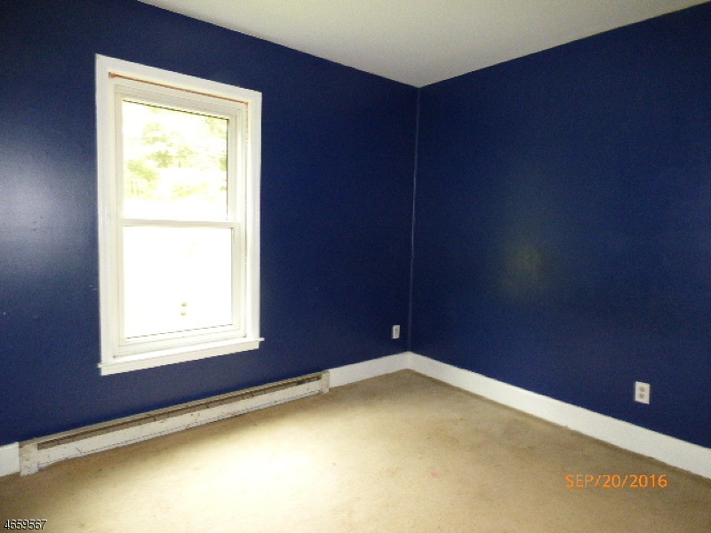 Additional photo for property listing at 38 Buckley Avenue  Oxford, New Jersey 07863 États-Unis