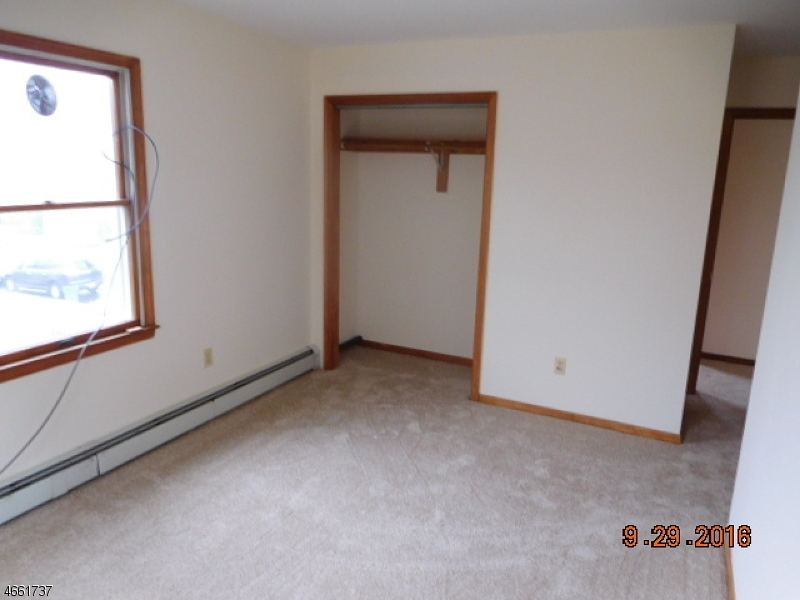 Additional photo for property listing at 24 Pulaski Avenue  Carteret, Нью-Джерси 07008 Соединенные Штаты