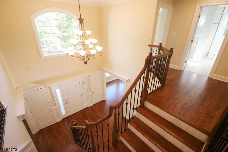 Частный односемейный дом для того Продажа на 121 Mountainside Lane Bridgewater, 08807 Соединенные Штаты