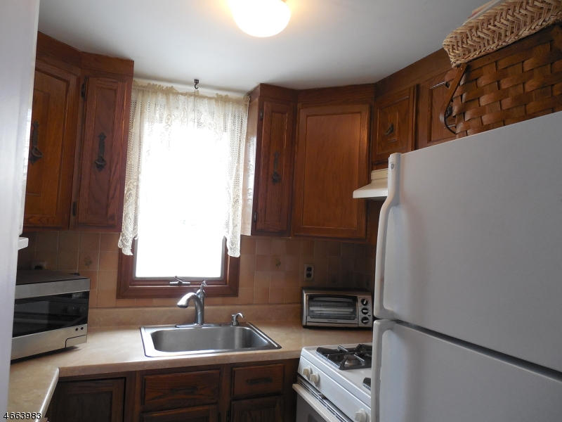 Additional photo for property listing at 6 CARTERET Avenue  Budd Lake, New Jersey 07828 États-Unis