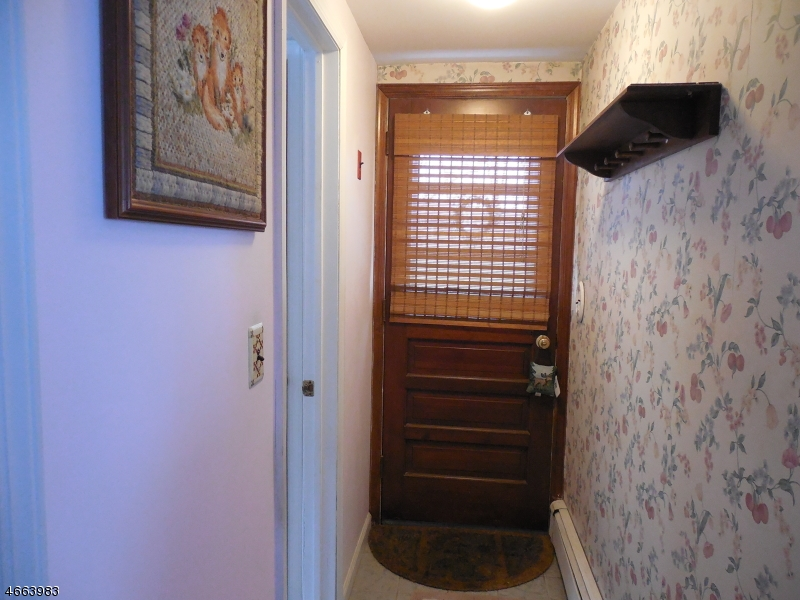 Additional photo for property listing at 6 CARTERET Avenue  Budd Lake, Нью-Джерси 07828 Соединенные Штаты