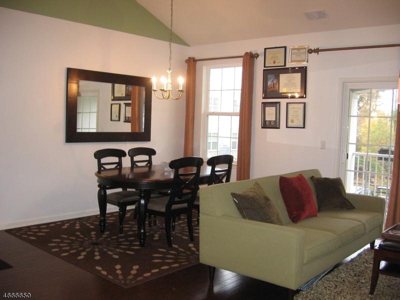 Maison unifamiliale pour l à louer à 704 Brook Hollow Drive Whippany, New Jersey 07981 États-Unis