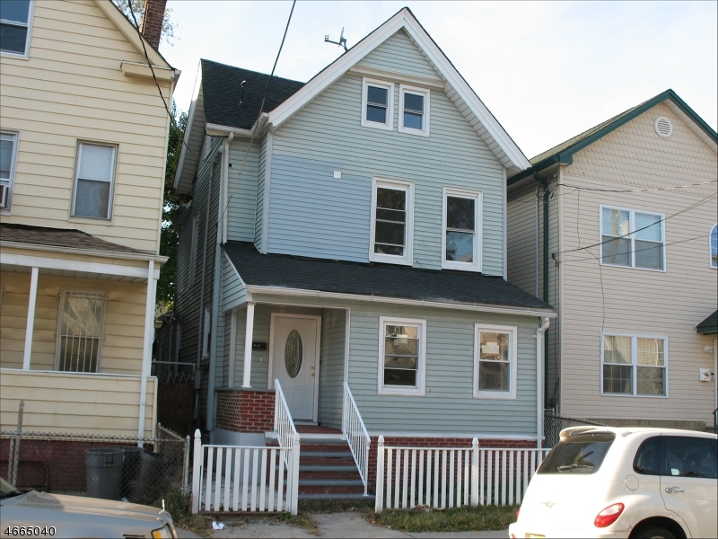 Additional photo for property listing at 136 Smith Street  Elizabeth, New Jersey 07201 United States