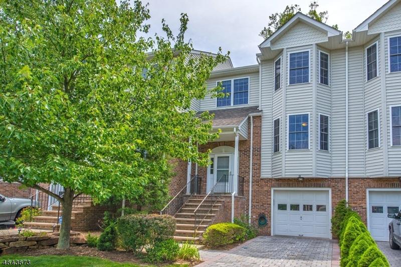 Частный односемейный дом для того Продажа на 12 Silverleaf Court Riverdale, 07457 Соединенные Штаты
