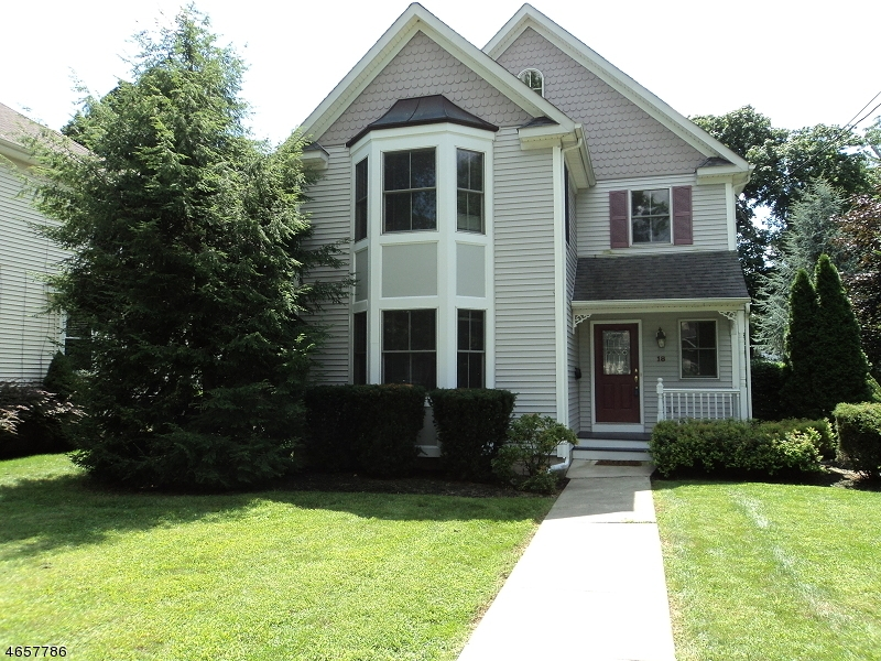 Additional photo for property listing at 18 Maple Avenue  Morris Plains, Нью-Джерси 07950 Соединенные Штаты