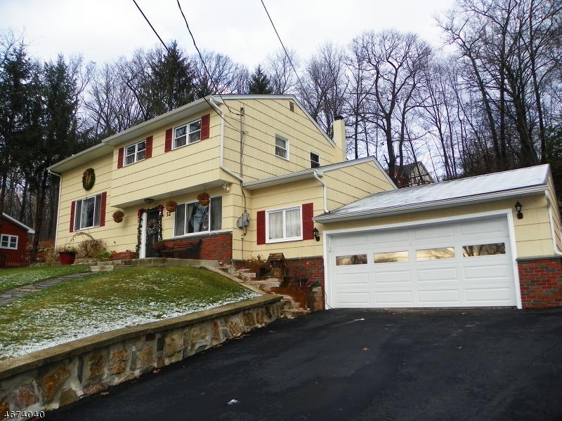 独户住宅 为 销售 在 32 Fawn Lake Road 斯德哥尔摩, 07460 美国