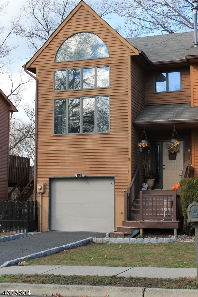 Single Family Home for Sale at 10 Saddle River Court Saddle Brook, New Jersey 07663 United States