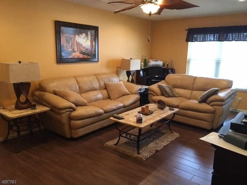 Частный односемейный дом для того Аренда на 100 Pierson Miller Dr, F6 Pompton Lakes, Нью-Джерси 07442 Соединенные Штаты