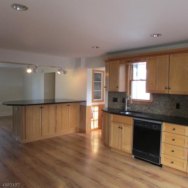 Casa Unifamiliar por un Alquiler en 292 Berkshire Valley Road Wharton, Nueva Jersey 07885 Estados Unidos