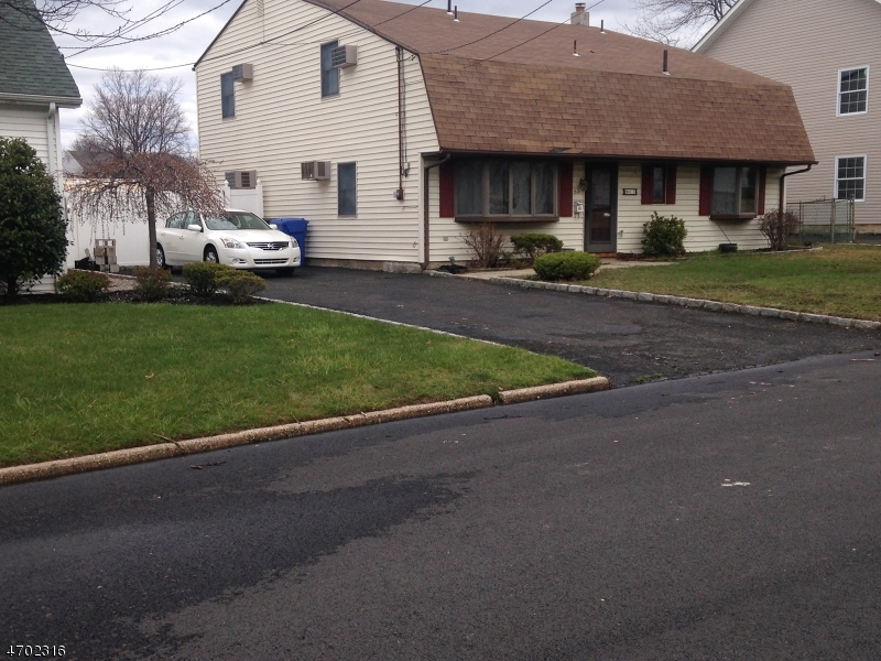Additional photo for property listing at 63 W Louis Place  Woodbridge, New Jersey 08830 États-Unis