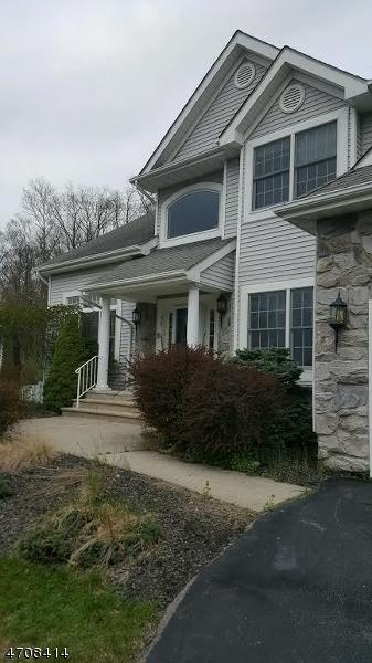Casa Unifamiliar por un Venta en 36 36 Ramapo Mountain Drive Wanaque, Nueva Jersey 07465 Estados Unidos