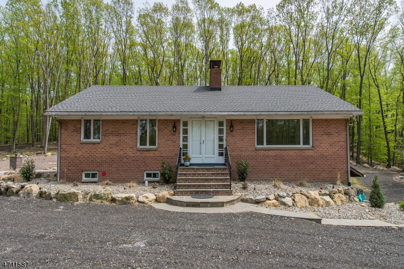 Single Family Home for Rent at 209 Brook Valley Road Montville, New Jersey 07082 United States