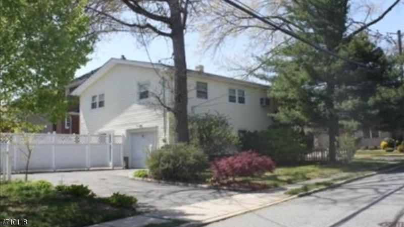 独户住宅 为 出租 在 1038 Kingsland Lane 李堡, 新泽西州 07024 美国