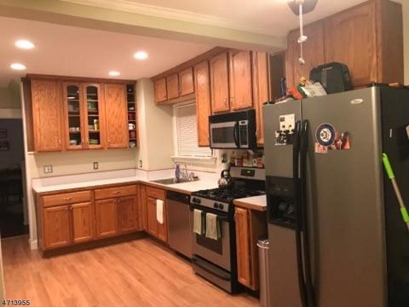 Частный односемейный дом для того Аренда на 138 Butler Avenue Roselle Park, Нью-Джерси 07204 Соединенные Штаты