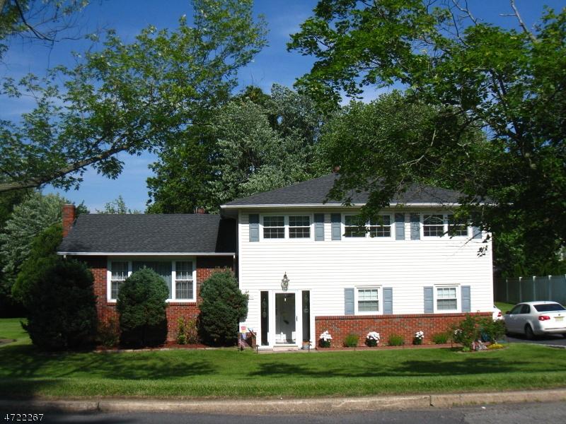 Casa Unifamiliar por un Alquiler en 120 Pine Brook Road Montville, Nueva Jersey 07045 Estados Unidos