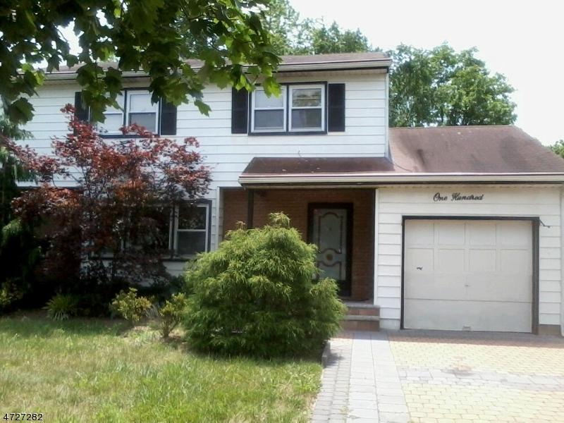 独户住宅 为 销售 在 100 Moss Place 尼普顿, 新泽西州 07753 美国