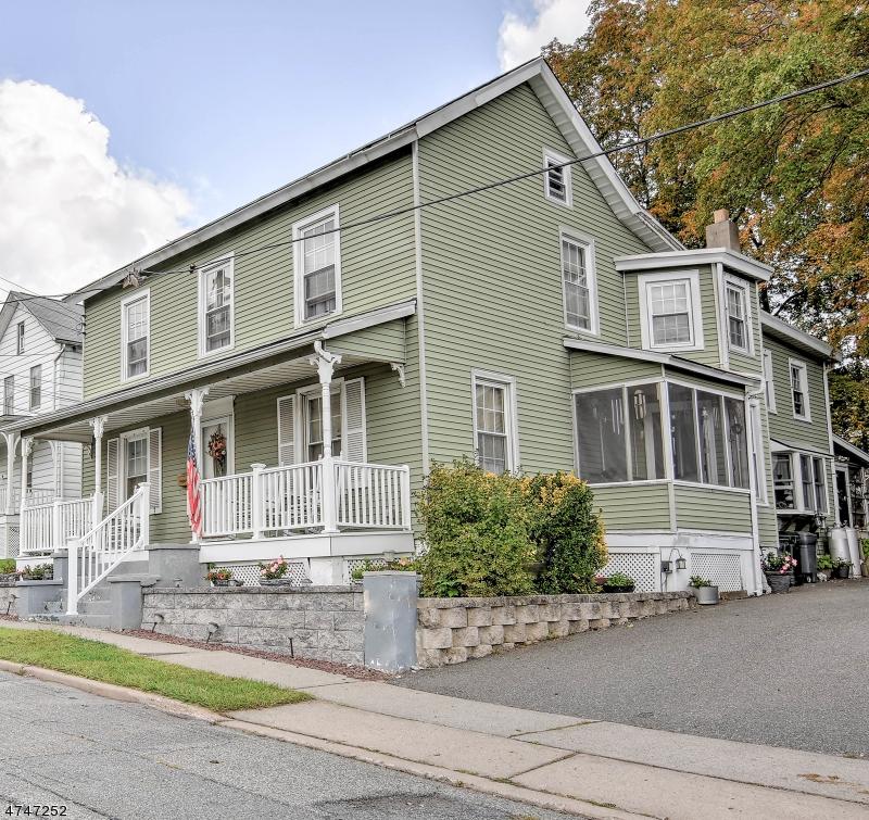 Maison unifamiliale pour l Vente à 130 Liberty Street Hackettstown, New Jersey 07840 États-Unis