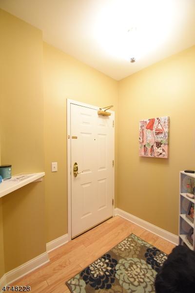 独户住宅 为 出租 在 7204 Coventry Court 里弗代尔, 新泽西州 07457 美国