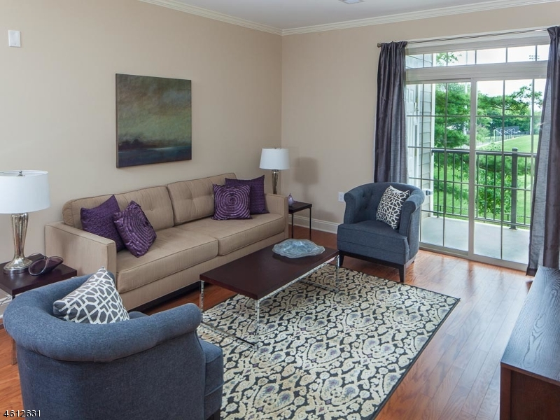 Additional photo for property listing at 92 Burnett Avenue  Maplewood, New Jersey 07040 États-Unis