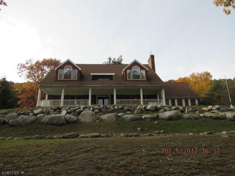 Enfamiljshus för Försäljning vid 936 Owassa Road Stillwater, New Jersey 07860 Usa