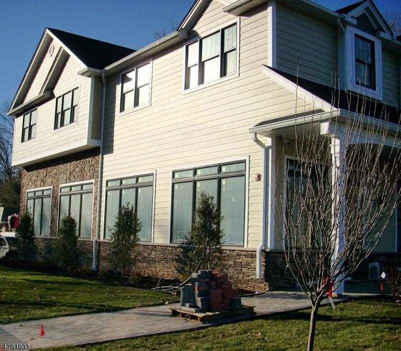 Maison unifamiliale pour l à louer à 688 Route 202 Montville, New Jersey 07082 États-Unis