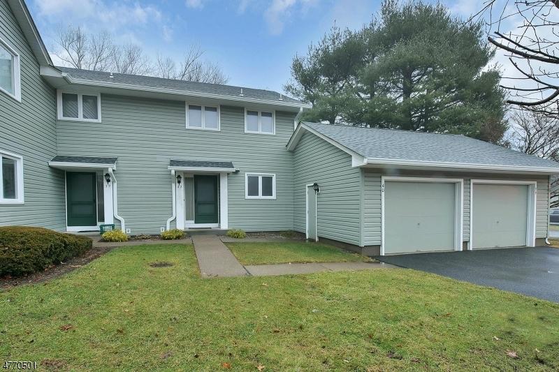 Частный односемейный дом для того Аренда на 39 Erskine Court Mahwah, Нью-Джерси 07430 Соединенные Штаты