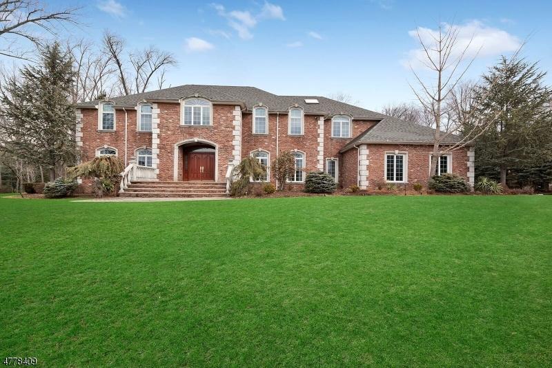独户住宅 为 销售 在 75 Seminary Drive 莫瓦, 新泽西州 07430 美国