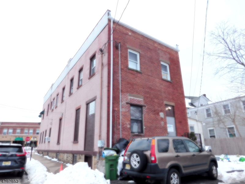 Additional photo for property listing at 125 Main Street  Hackettstown, New Jersey 07840 États-Unis