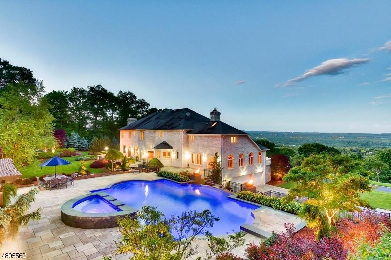 Casa Unifamiliar por un Venta en 19 Elizabeth Drive Kinnelon, Nueva Jersey 07405 Estados Unidos