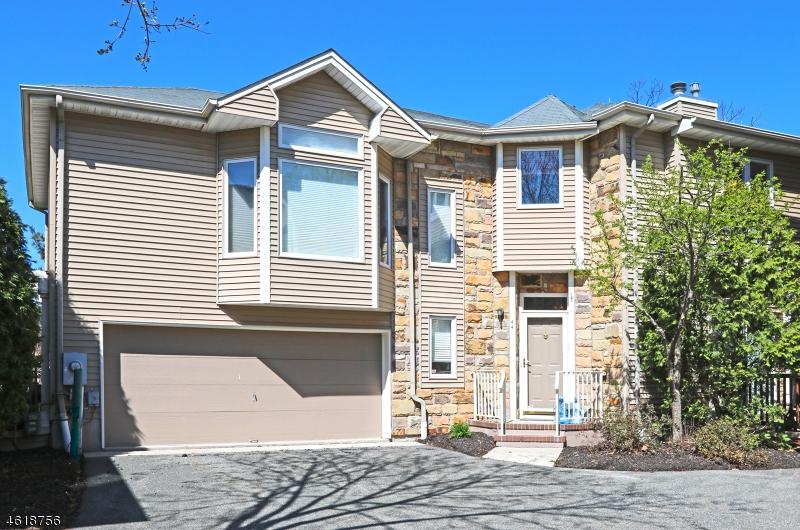 Condo / Townhouse pour l à louer à 44 CLARKEN Drive West Orange, New Jersey 07052 États-Unis