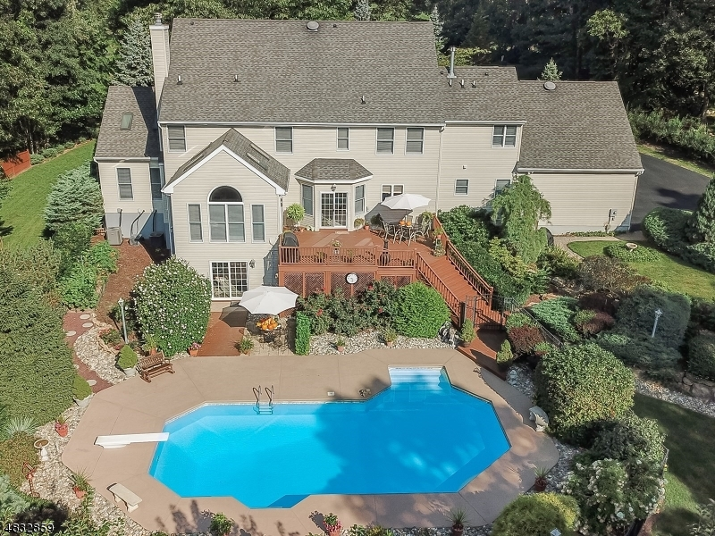 Single Family Home for Sale at 34 HARVEST LN 34 HARVEST LN Washington Township, New Jersey 07853 United States