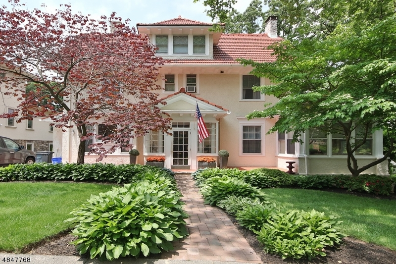 Single Family Home for Sale at 21 EDGEWOOD AVE 21 EDGEWOOD AVE Nutley, New Jersey 07110 United States