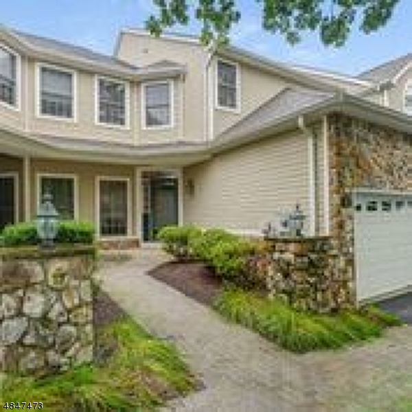Кондо / дом для того Аренда на 5 OSKAR Court Livingston, Нью-Джерси 07039 Соединенные Штаты