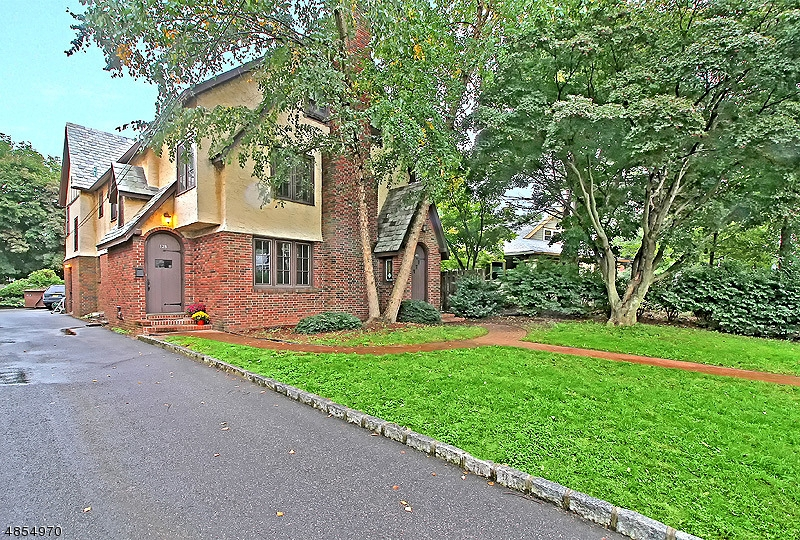 Multi-Family Home for Sale at 126 MOUNTAIN Avenue Somerville, New Jersey 08876 United States