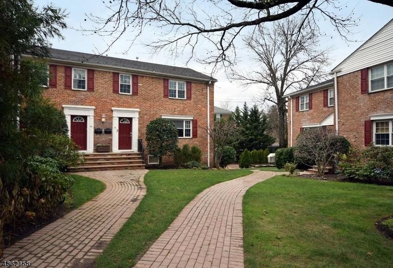 Condo / Townhouse pour l à louer à 67 NEW ENGLAND AVE 73A Summit, New Jersey 07901 États-Unis