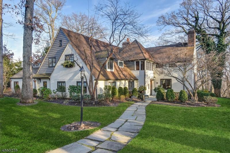 Single Family Home for Sale at 190 Oak Ridge Ave 190 Oak Ridge Ave Summit, New Jersey 07901 United States