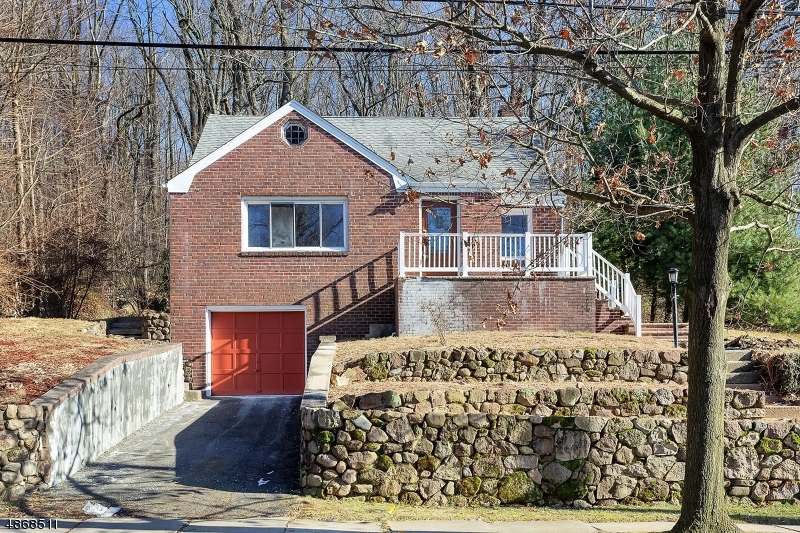 Single Family Home for Sale at 9 PALMER Place Leonia, New Jersey 07605 United States
