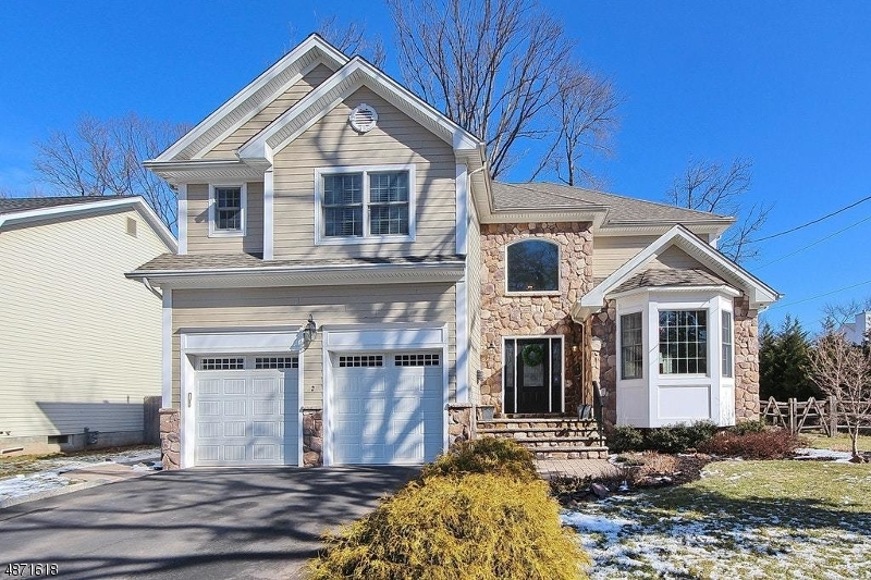 Single Family Home for Sale at 2 N WICKOM DR 2 N WICKOM DR Westfield, New Jersey 07090 United States