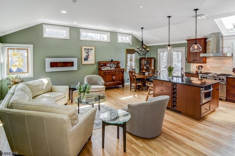Villa per Vendita alle ore 59 HEMLOCK Road Little Falls, New Jersey 07424 Stati Uniti
