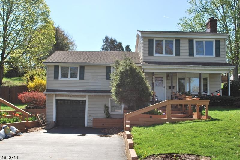 Maison unifamiliale pour l Vente à 714 FRANKLIN Street Belvidere, New Jersey 07823 États-Unis