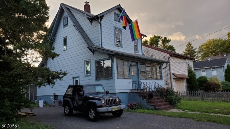 Single Family Homes för Försäljning vid Little Ferry, New Jersey 07643 Förenta staterna