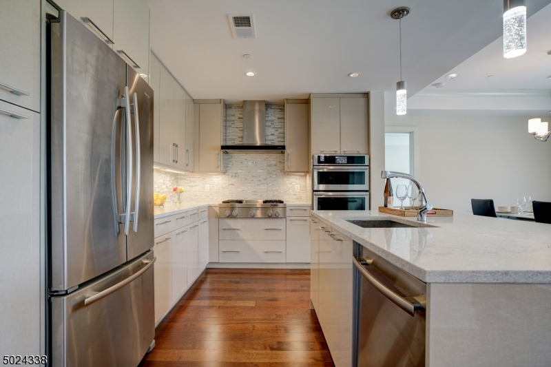 Condo / Townhouse for Sale at Weehawken, New Jersey 07086 United States