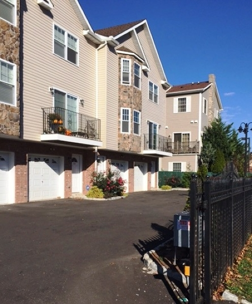 Single Family Home for Sale at 113 S Grove St, UNIT 2E East Orange, New Jersey 07018 United States