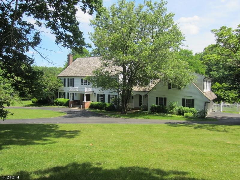 Частный односемейный дом для того Продажа на 100 Post Kennel Road Far Hills, 07931 Соединенные Штаты