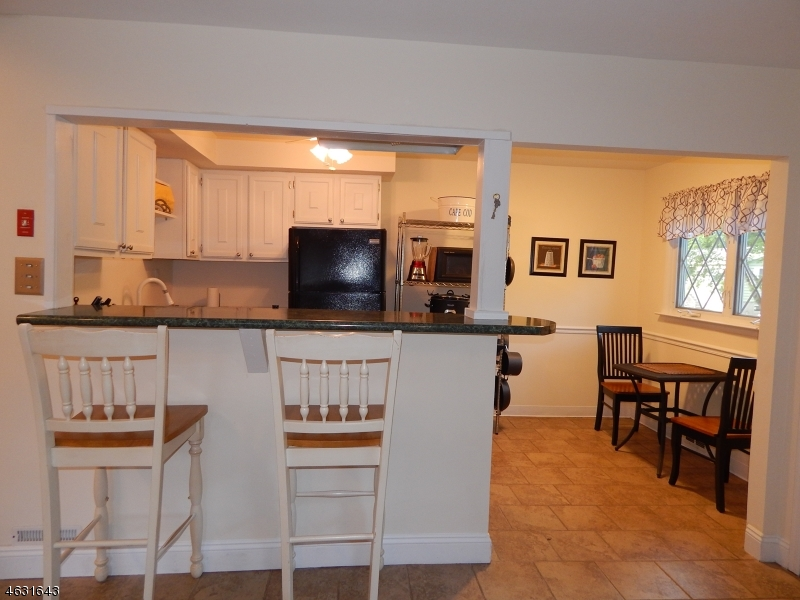 Additional photo for property listing at 28 Williams Trail  Hopatcong, Нью-Джерси 07843 Соединенные Штаты